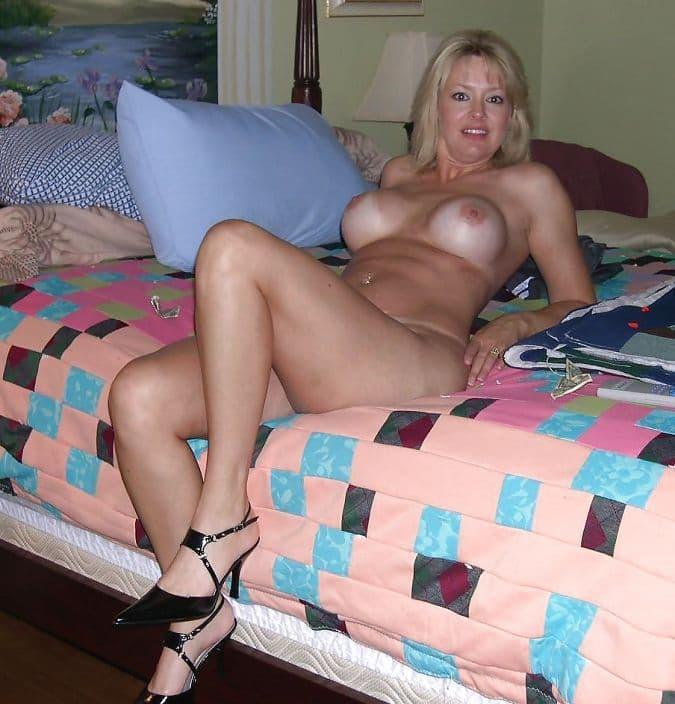 blonde cougar nue