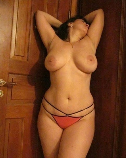 mature nue